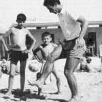 Armando Picchi palleggia ai Bagni Fiume